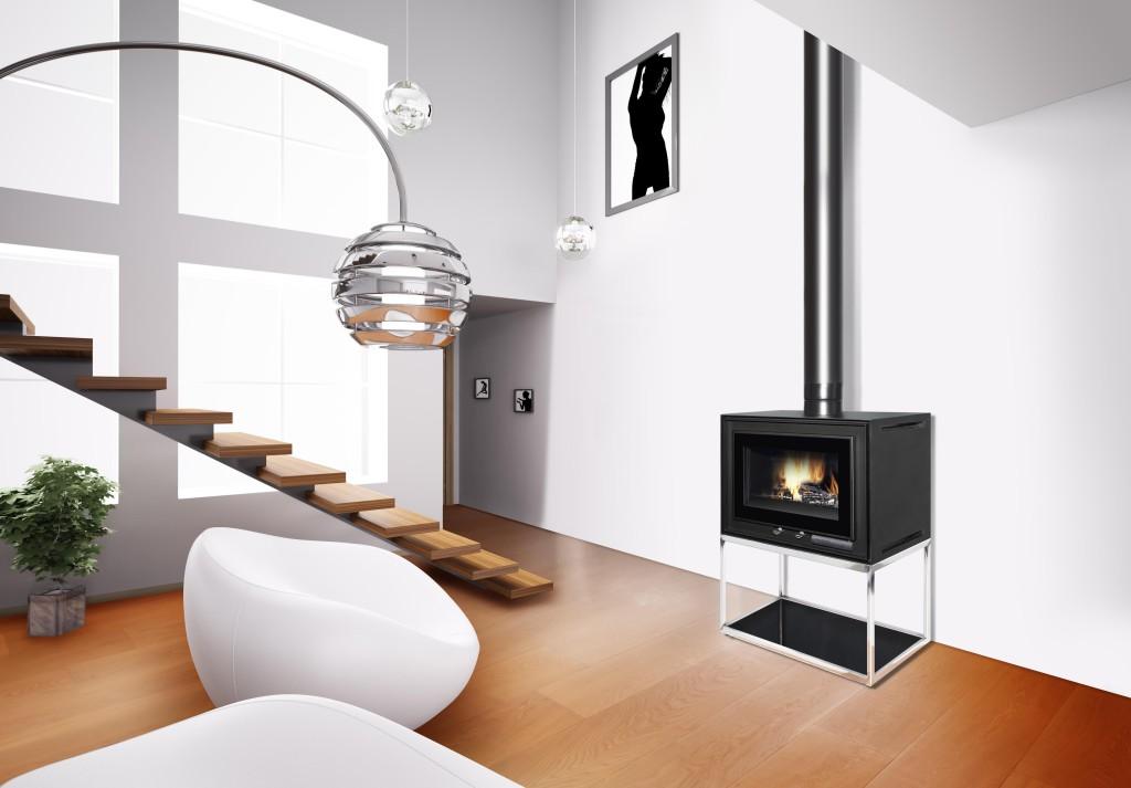 Insert cheminée Wodtke design compact Modbox sur chaise en ambiance